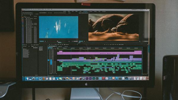 Как удалить все дырки между клипами в Premiere